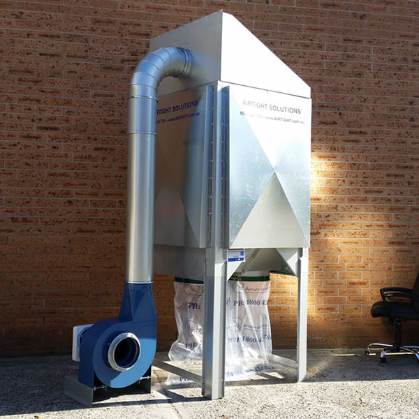 T-500 dust collector with outdoor kit fitted