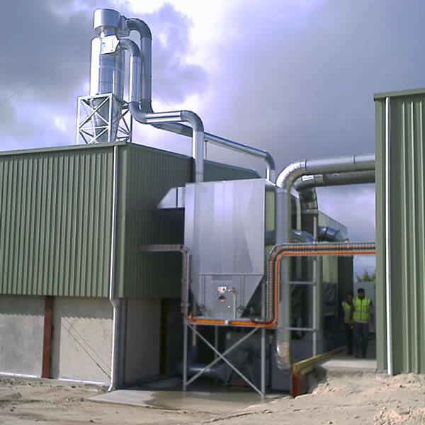 Cyclone with return line into dust collector